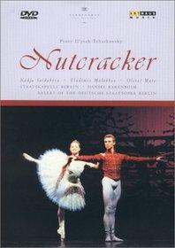 Tchaikovsky - The Nutcracker / Barenboim, Deutsche Staatsoper Berlin