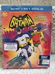Batman: Return of the Caped Crusaders (Blu-ray + DVD + Digital HD UltraViolet Combo Pack w/Graphic Novel) (Best Buy Exclusive)