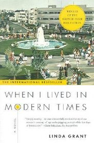 When I Lived in Modern Times (Thorndike Press Large Print Women's Fiction Series)