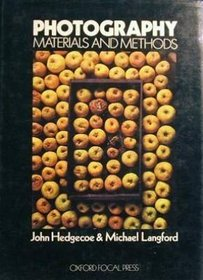 Photography: Materials and Methods (Handbooks for Artists)